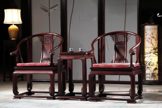 喜迎红.皇宫椅