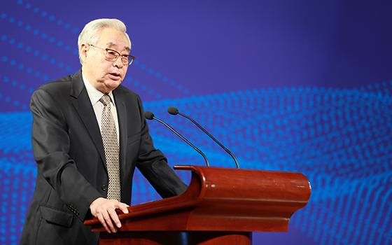 第一届国务院国有重点大型企业监事会主席谢钟毓
